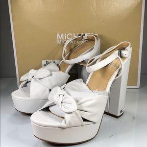 [181] Michael Michael Kors 7 M Flat Thong Sandals
